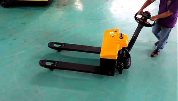 Phân phối xe nâng điện thấp WP17-15