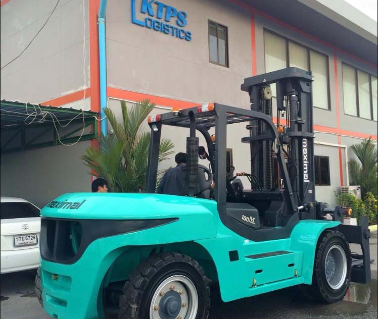 Xe nâng động cơ dầu 8-12 tấn