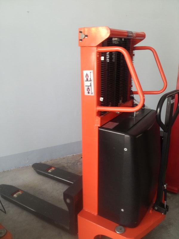 Xe nâng điện bán tự động nhập khẩu Đài Loan