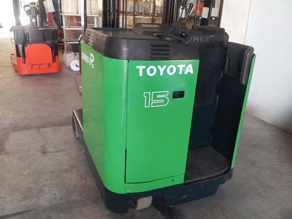 Xe nâng Toyota 1.5 tấn