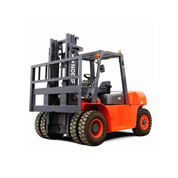 Xe nâng động cơ dầu 5-7 tấn